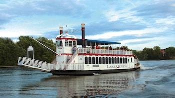 Lake Taneycomo Cruise