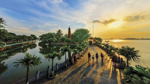 Full-Day Heart of Hanoi Highlights Tour
