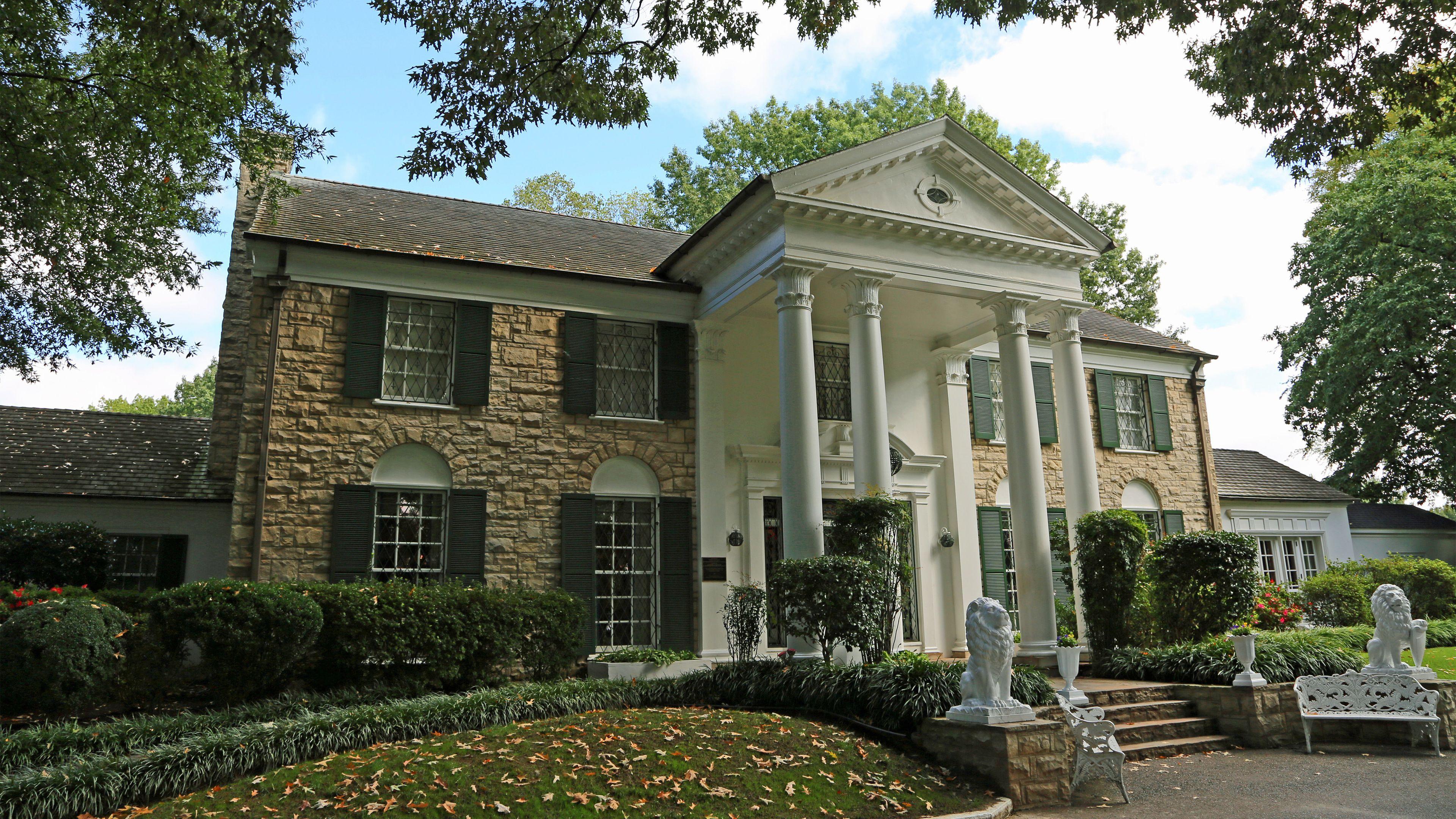 Exterior of Graceland in Memphis