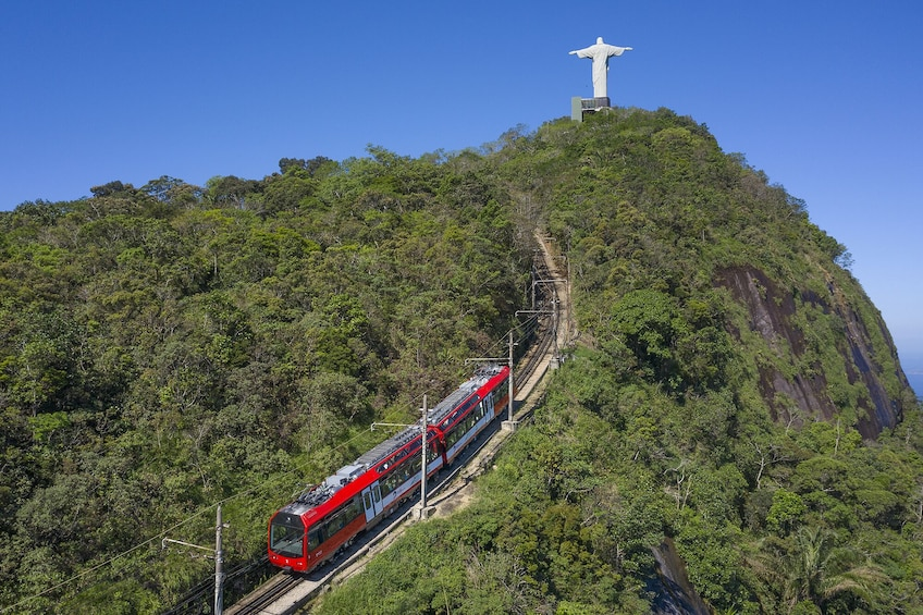 Full-Day Tour with Guanabara Bay Cruise, Christ the Redeemer & Sugarloaf
