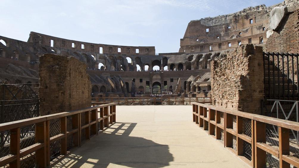 Charger l'élément 5 sur 10. Semi-private Colosseum Tour: Gladiator's Gate & Arena Floor