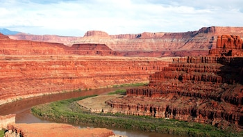 Canyonlands National Park 4x4 Safari & Scenic River Cruise