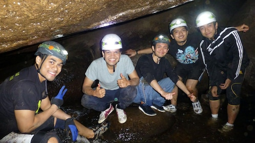 cave spelunking group