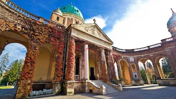 Small-Group Guided Walking & Driving Tour of Zagreb