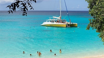 Saturday Lunch & Snorkelling Cruise with Open Bar