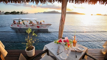 Bora Bora Sunset Cruise & Dinner at Restaurant St. James