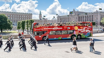 Hop-on, hop-off-bustour door Stockholm van Red Buses, met bootoptie