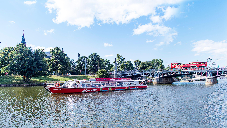 Visita turístico en los cruceros de la línea Red Buses a Estocolmo