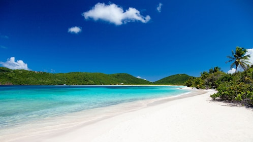 White sand beaches flanking the bay in Culebra Island