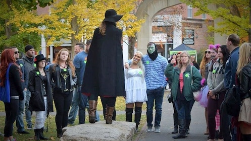 Tour guide with group during the Salem Night Tour