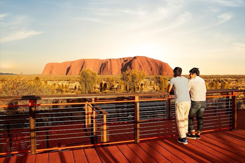 Guided Sunrise Tour of Uluru-Kata Tjuta National Park