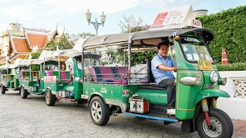 Tuk Tuk Hop – Central Bangkok Hop-On Hop-Off App