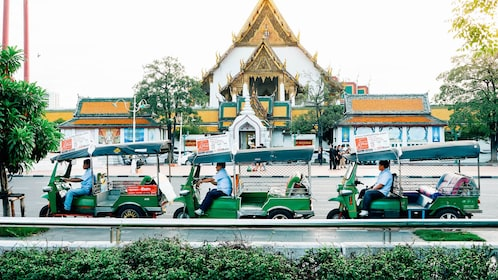 Landscape view of the Tuk Tuk Hop On Hop Off in Bangkok
