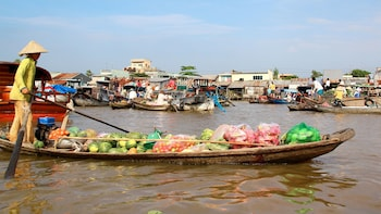 Full-Day Discovery of Cai Be Floating Village & Island Cooking Class
