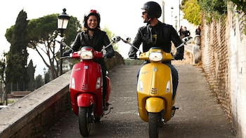 Vespa Tour to Frascati & Castel Gandolfo with Lunch