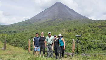 Guided Hiking Tour of Arenal Volcano & La Fortuna Waterfall