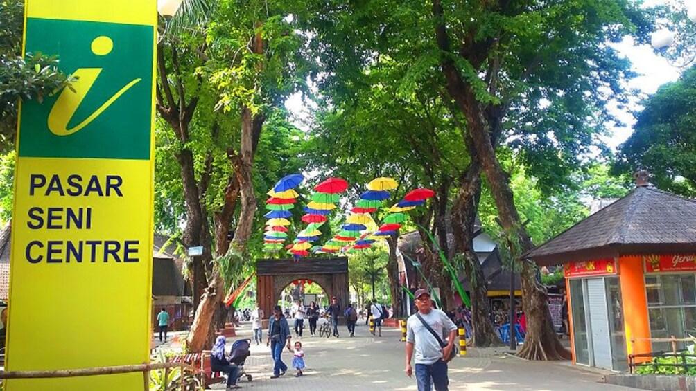 Show item 1 of 5. Pasar Seni Centre