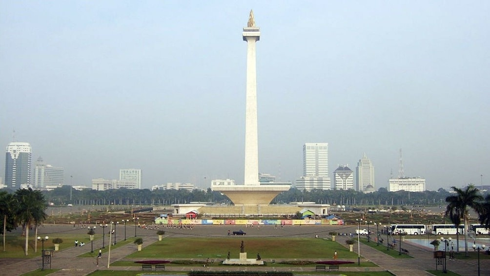 Fullday Jakarta Wonderful Tour with Lunch,Insurance & Free S