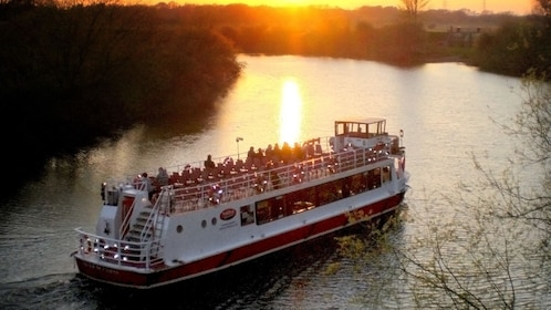 Sunset cruise on the River Ouse in York
