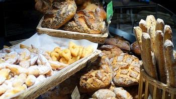 Historic Dijon Market Food Tour