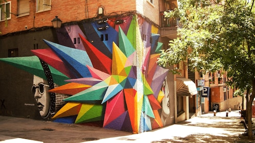 Geometrical shape painting on corner of building in Madrid
