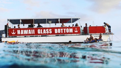 Glass bottom boat on Oahu