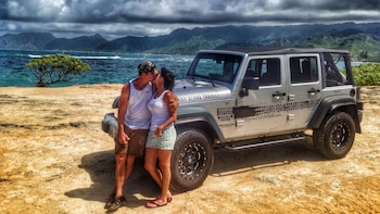 Private Guided Romantic Jeep Tour in Oahu