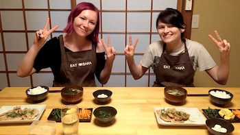 Small-Group Guided Osakan Home-Cooking Course