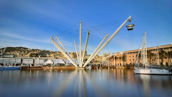 Genoa Walking Tour & Cruise to Portofino from Genoa