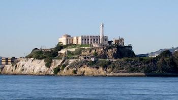 Alcatraz + Sausalito/Golden Gate Bridge Hop-On Hop-Off Tour