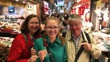 Small-Group Nishiki Market Food Tour in Kyoto