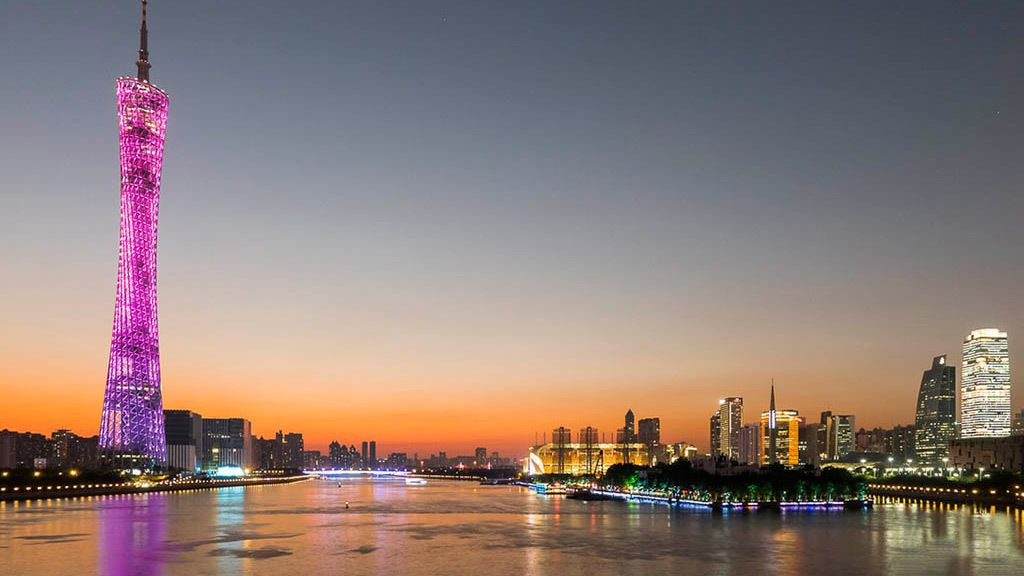Private Walking Tour of Shamian Island & City Sightseeing Cruise