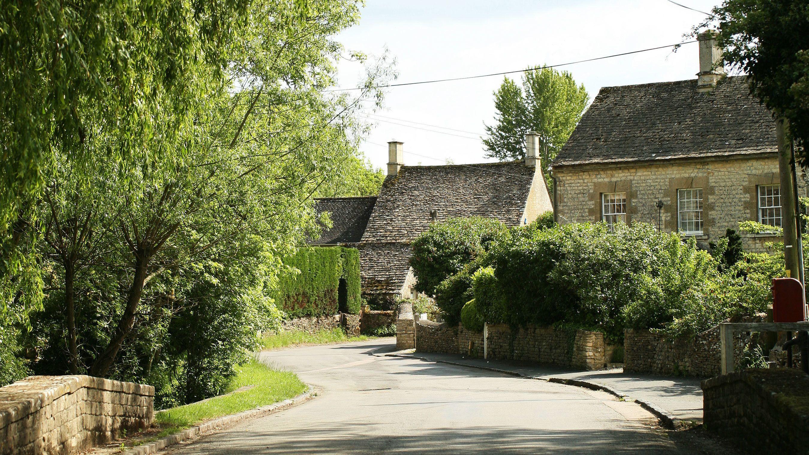 Winding street of Shilton