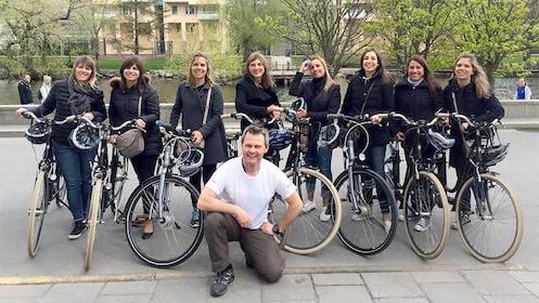 Group on the Stockholm Bike Tour