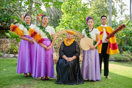 Circle Island Tour with Ali'i Luau