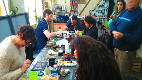 Traditional street art class in Buenos Aires