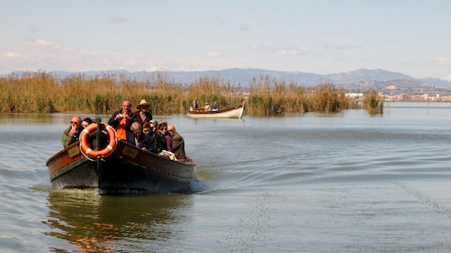 Boating group on the Albufera in Valencia