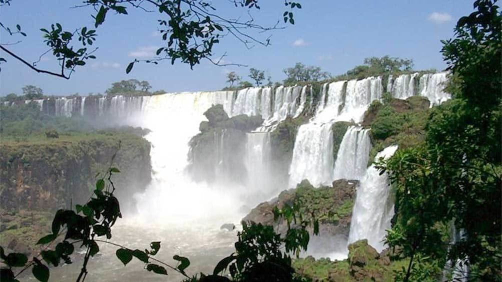 Cargar ítem 1 de 10. Stunning landscape view of the Iguazu Falls in Argentina