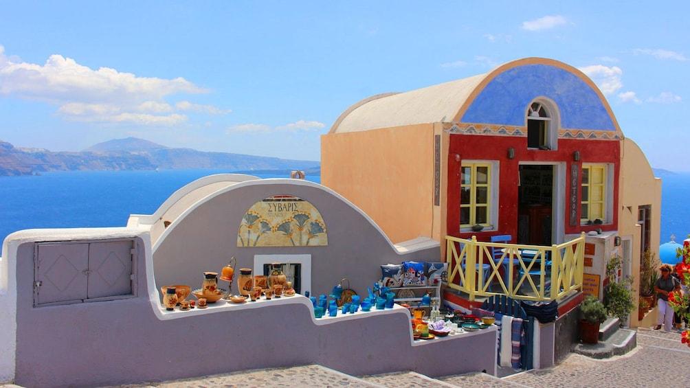 Öppna foto 3 av 5. Santorini on the coast
