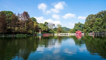 Private Tour of Ancient Guangzhou and Baiyun Moutain