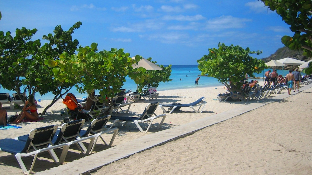 Foto 1 von 5 laden Beach of Curacao