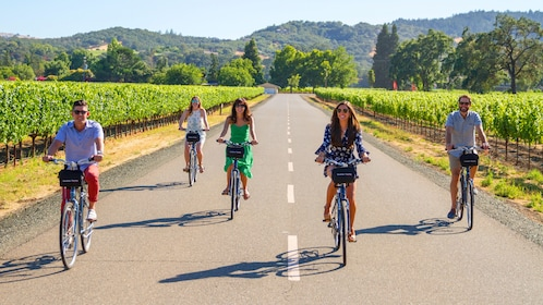 Bike Tour group in Sonoma Valley
