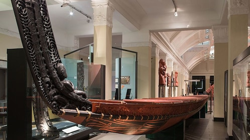 Large wood carve boat in Auckland Museum