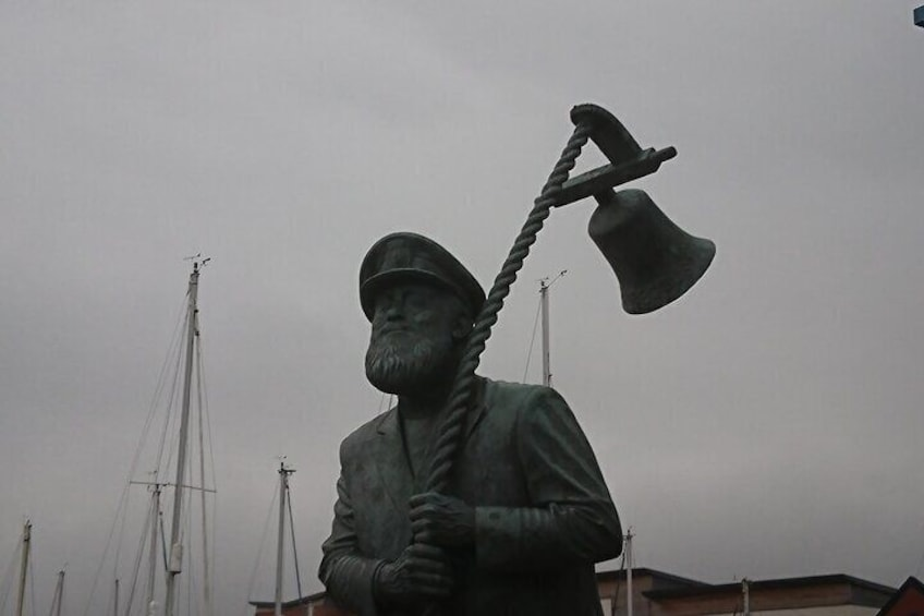 Dylan Thomas' Swansea: A Self-Guided Audio Tour