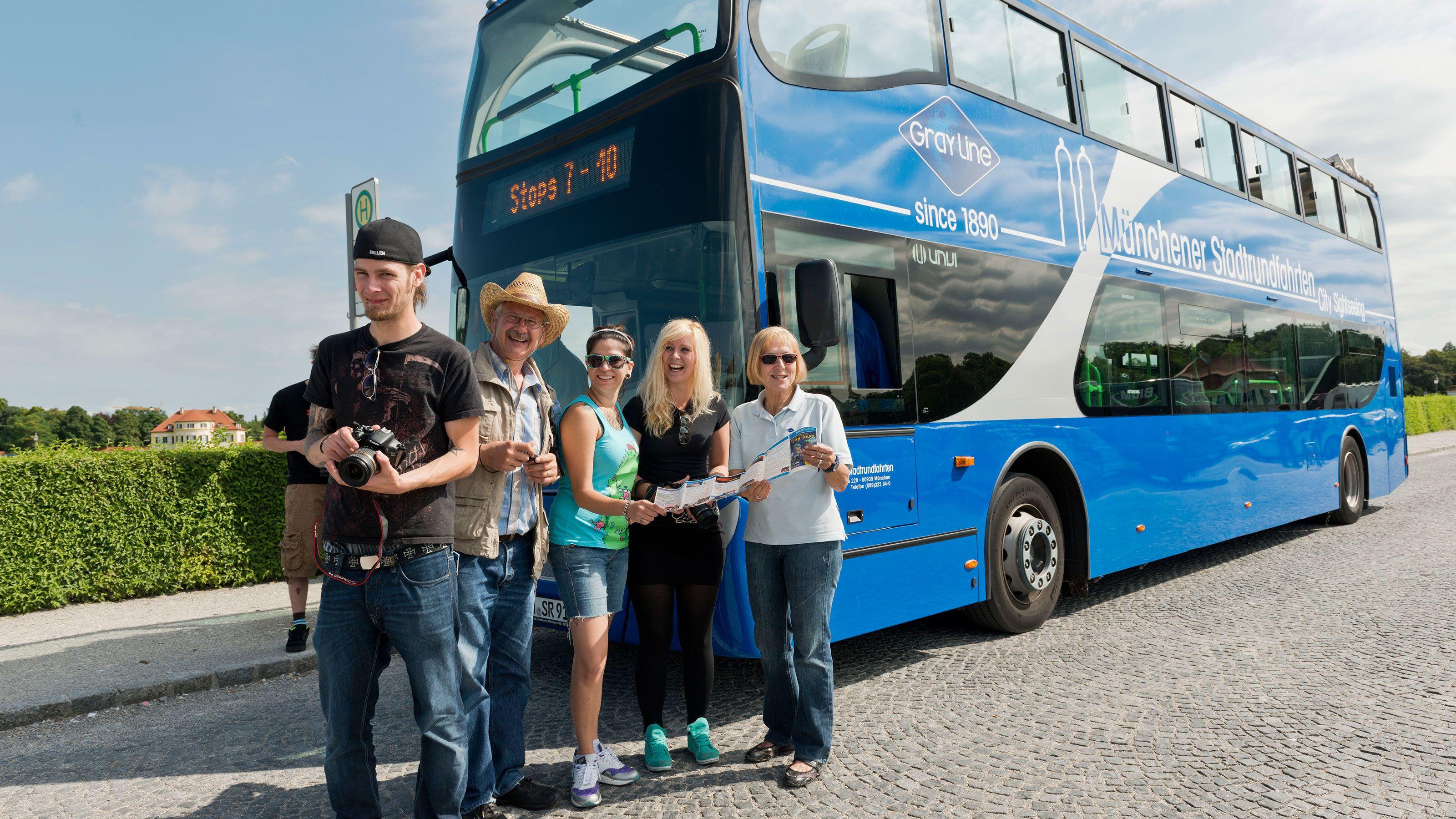 Yhdistelmäkierros: hop-on hop-off -kiertoajelu bussilla ja kierros müncheni...