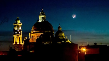Night-time Tour of Valletta, Mdina & Mosta with Malta 5D Show