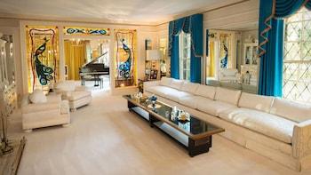 Elvis Experience: Graceland® Mansion, Auto Museum & Elvis The Entertainer M...