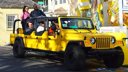 Tour group in jeep in Nassau