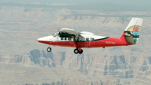 Aerial tour of the Grand Canyon & Mojave Desert