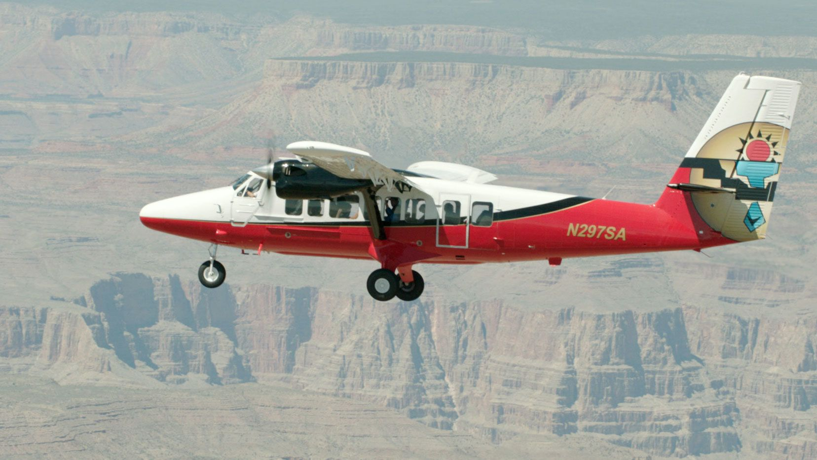 Grand Canyon Aeroplane Tour with Open-Top Hummer Ride